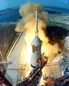 Apoll0 11 rocket launch